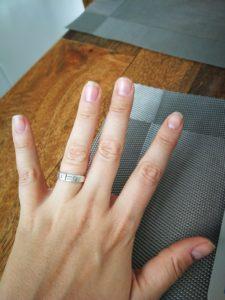 Meine Nägel sehen im großen und ganzen ok aus.